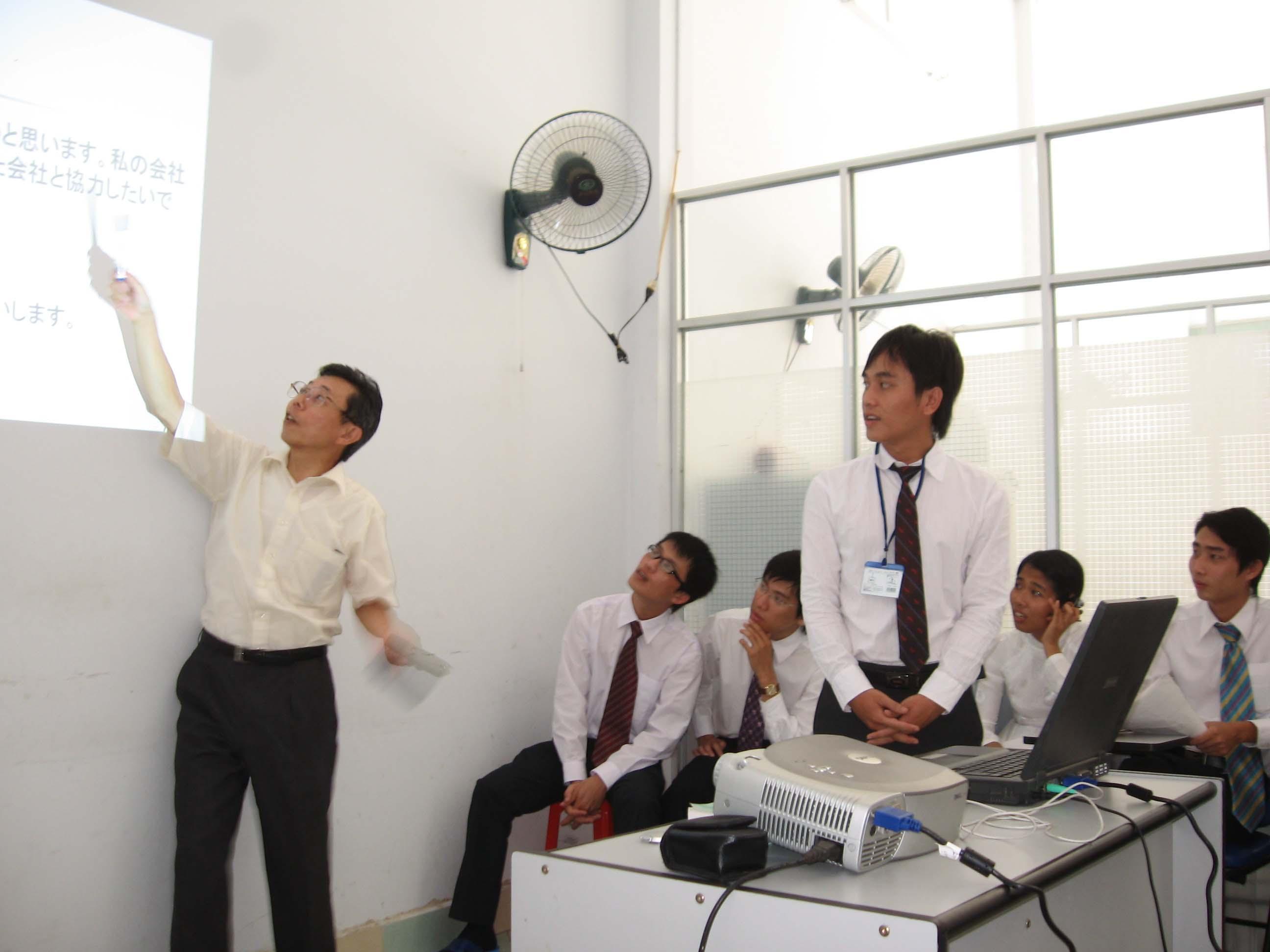 Hình ảnh về lớp học tiếng Nhật